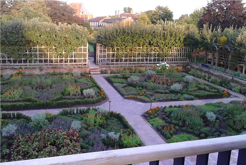 Gardens at New Place SUA
